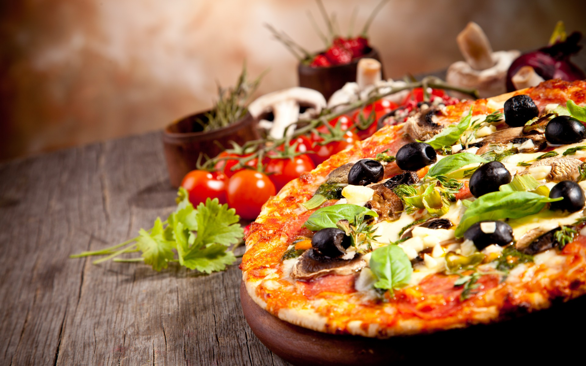 pizza-wallpaper-olives-mushrooms-cheese-tomatoes-parsley-dish-food